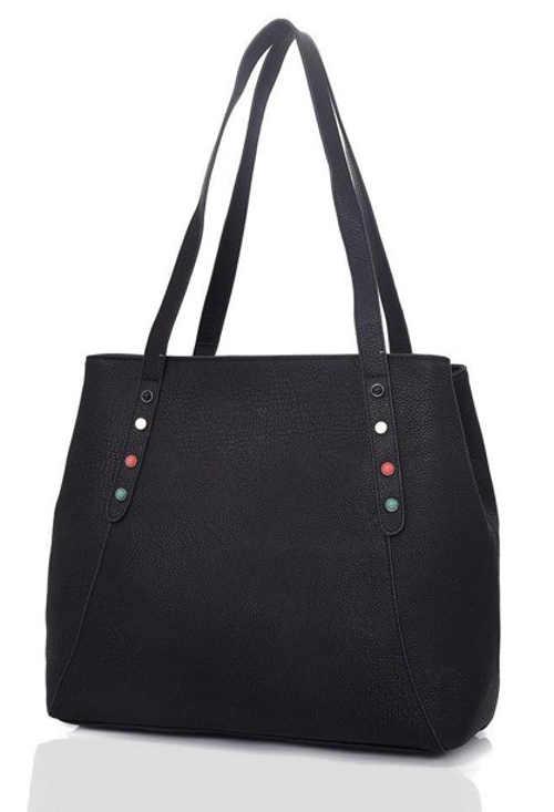Černá kožená kabelka přes rameno využitelná jako nákupní taška