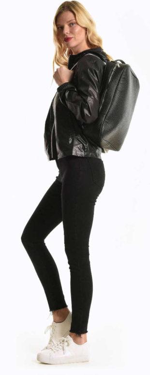 Dívčí černý kožený batoh