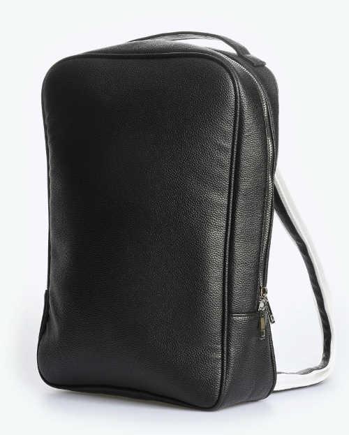 Obdélníkový černý dámský kožený batoh
