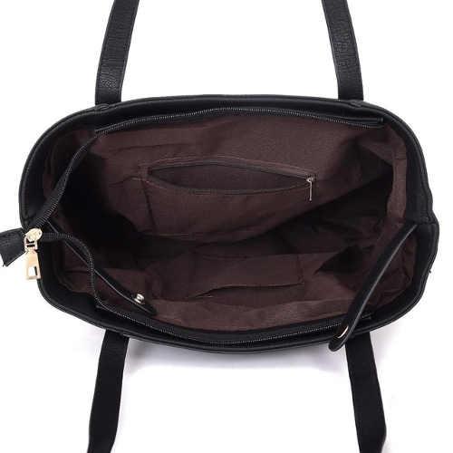 vetsi-cerna-kozena-kabelka-pres-rameno-se-zapinanim-na-zip