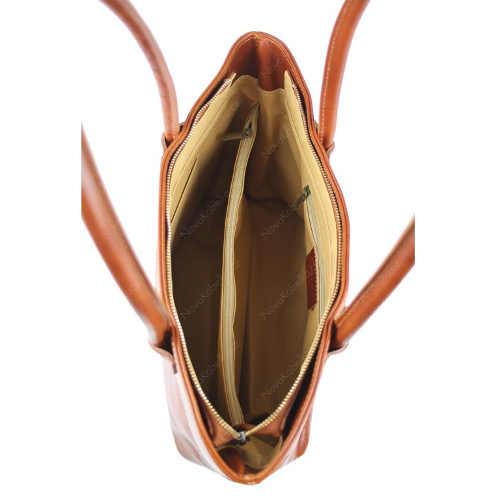Kožená praktická kabelka v hnědém provedení