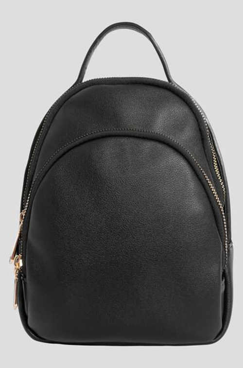 Černý malý batoh z kvalitního materiálu