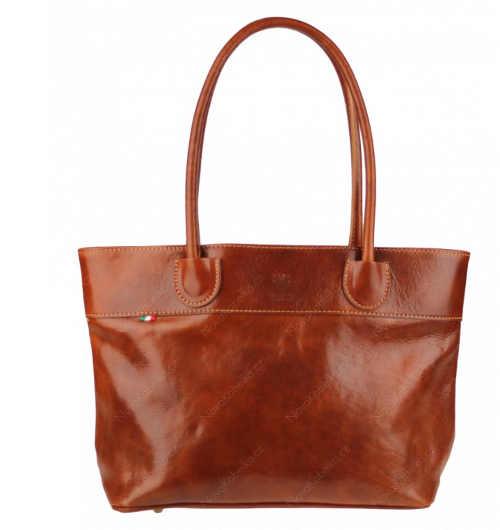 Prostorná moderní kožená kabelka