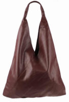 Krásná kožená kabelka přes rameno trojúhelníkového tvaru